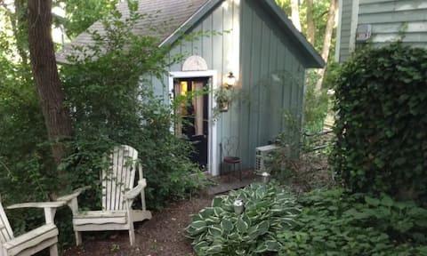 Alojamiento pequeño y adorable en el centro de Eureka