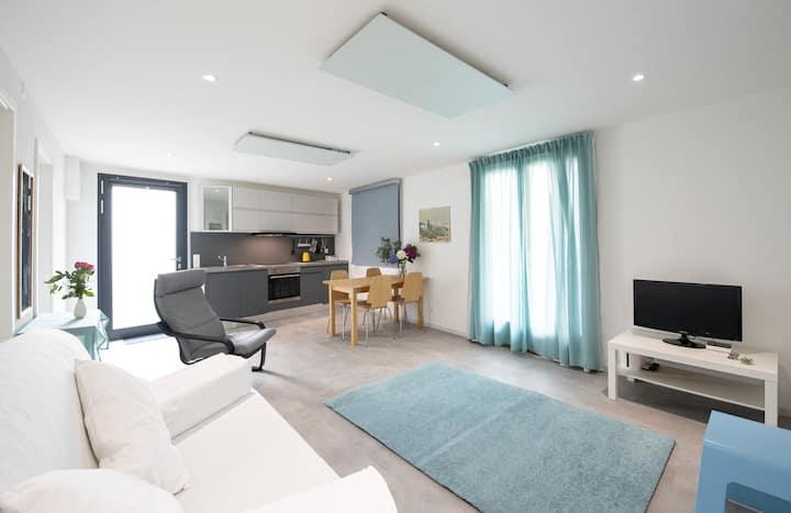 2 1/2 Zimmer Wohnung mit Seesicht und Garten
