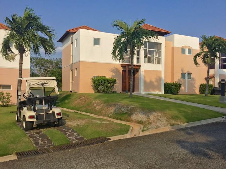 Golf & Beach Villa(3 bedroom Villa)