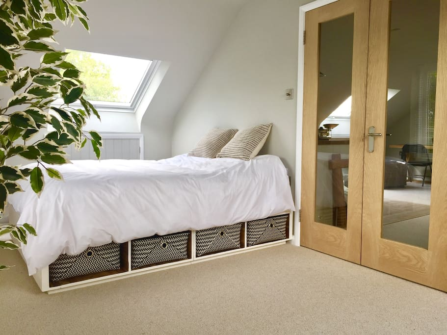 Double bed with Egyptian cotton bedding
