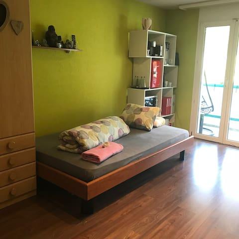 Zimmer 3 - Bett (120 cm breit)