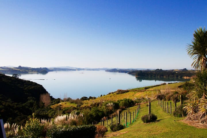 THE BACH: Laidback Luxury & Panoramic Ocean Views