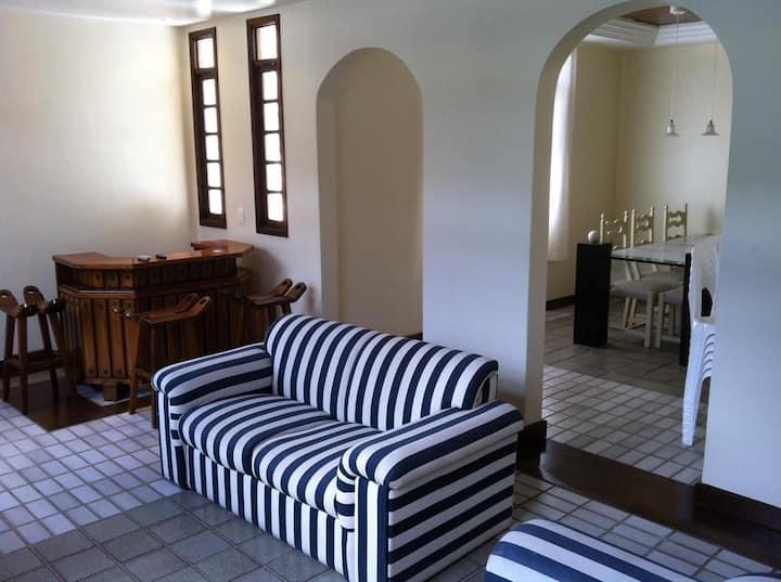 Casa mobiliada por temporada