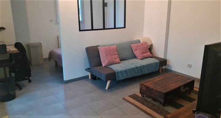 Appartement de 33 m2 avec garage, quartier calme
