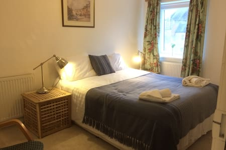 City Central Apartment - Sleeps 2 - Chichester