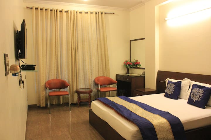 Private & Cozy Rooms In Dwarka Delhi - New Delhi - Guesthouse