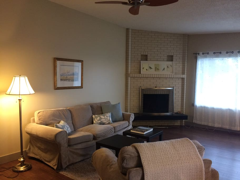 Very comfortable open concept  living area joined with dining-kitchen space.