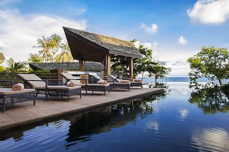Baan Hinyai is a tropical dream destination that takes the concept of indoor/outdoor living to the next level.