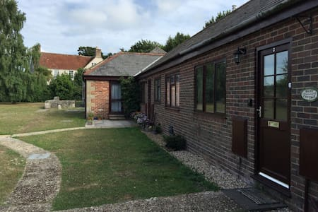 Cosy Retreat near Beach and Good Walking/Cycling - Isle of Wight