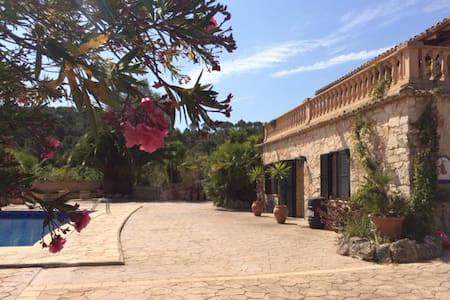 Secluded country house in the heart of Mallorca - Costitx - Casa de camp