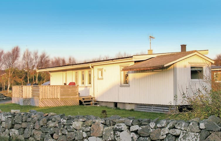 Holiday cottage with 3 bedrooms on 75m² in Onsala