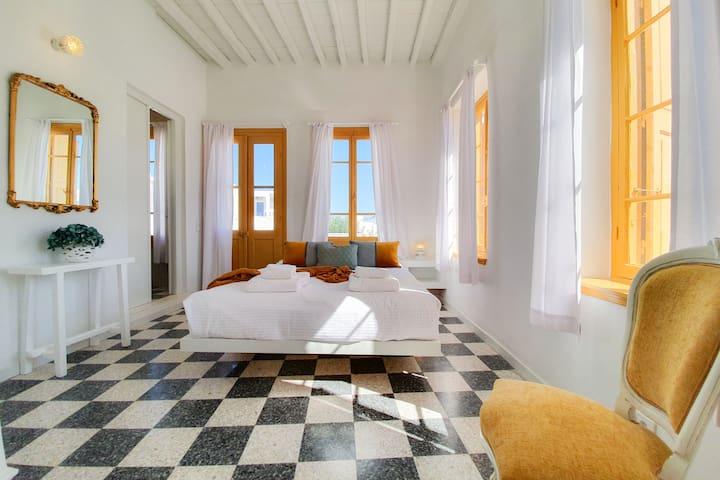 Deux Siècles Villa-Upper House - Central Apollonia