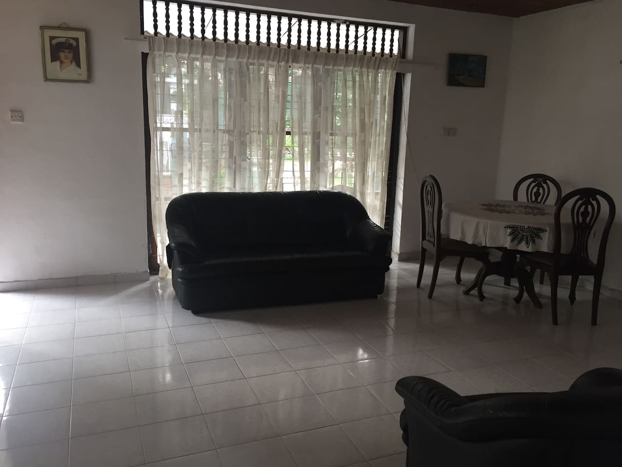 Chilled out space close to beach! $5 off if no AC
