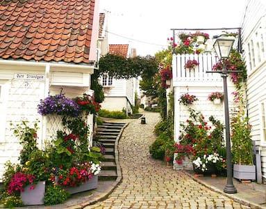 Gamle Stavanger / Old Stavanger - Ставангер