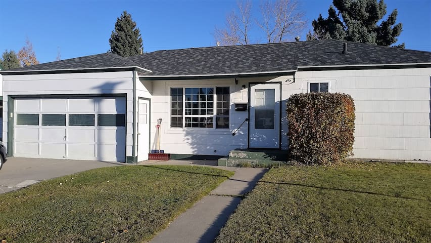 Two Bedroom Home in Historic Butte - Butte - Haus