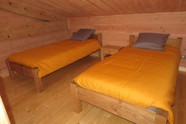 lits sur la mezzanine