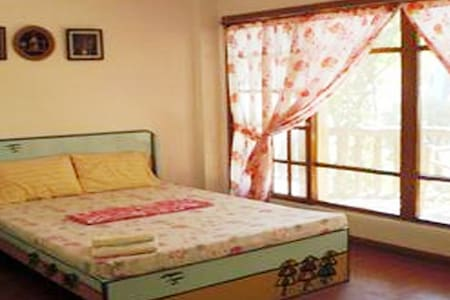 Aircon Room with breakfast - Bayan ng Santa Fe