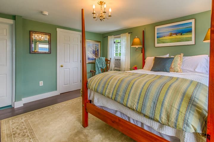 Vermont Bed and Breakfast - Blue Spruce Room