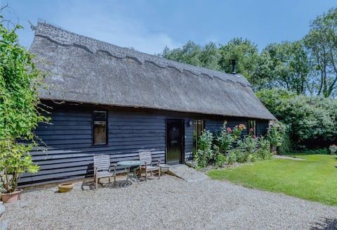 Idyllic barn set in peaceful Constable Country