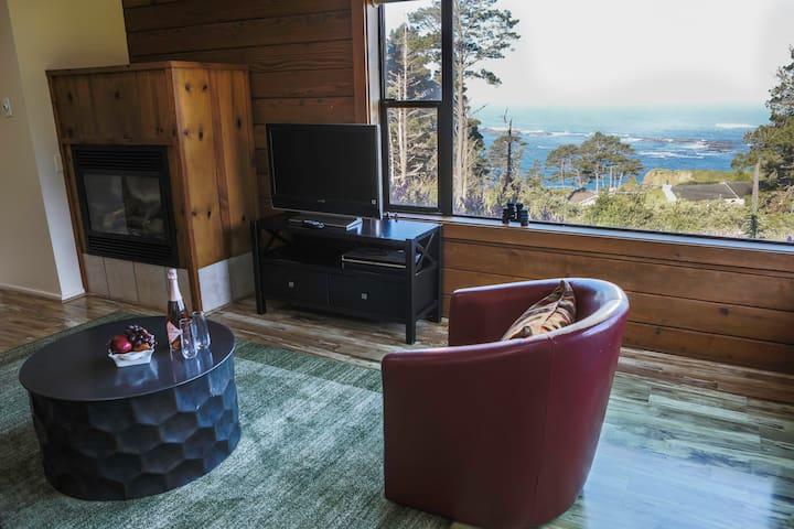 Elk Cottage :: Open + Airy :: Ocean Views
