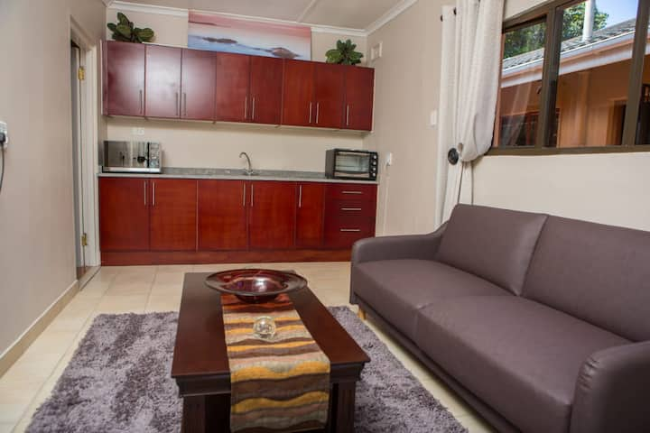 DYNA GUEST HOUSE: Self-catering facility