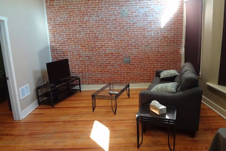 Downtown - Main Street Apartment - Remodeled - West Point
