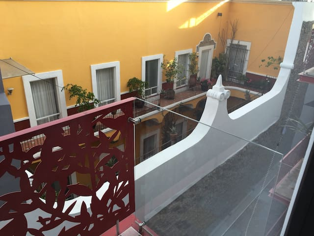 Beautiful 3 rooms apartment in Historic centre Pue