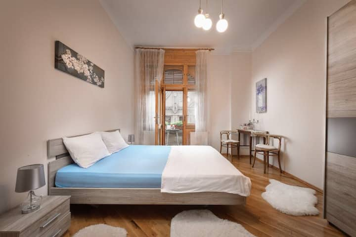 Lux Central Apartment