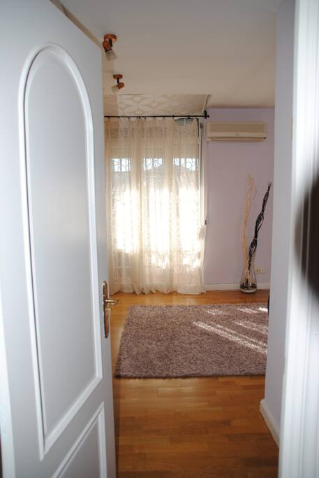 Acceso a dormitorio principal
