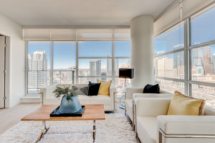 Designer Luxury Meets Sky High Downtown Views