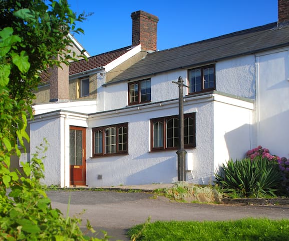 Miners Cottage - 4* self catering - Kenfig Hill - Huis