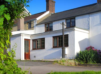 Miners Cottage - 4* self catering - Kenfig Hill - Haus