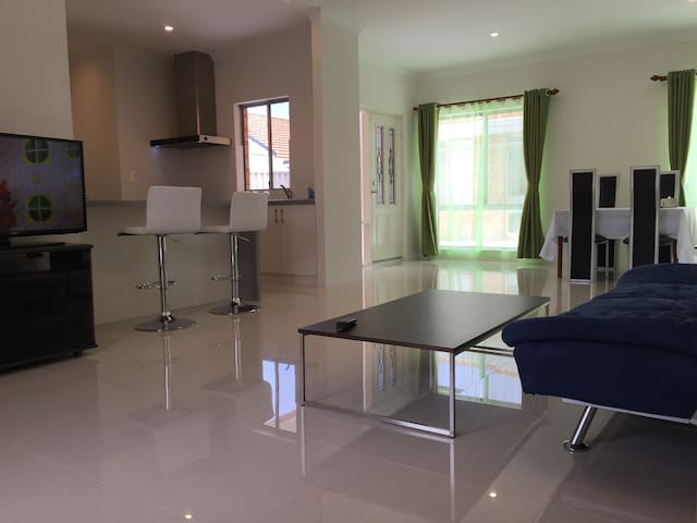 2 Bedrooms Unit-B1 - Bateman