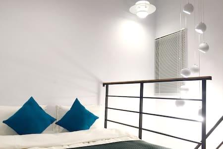 [RoomB] 初春南國小旅行- 老屋新居天井獨立舒適雙人房 - 台南市