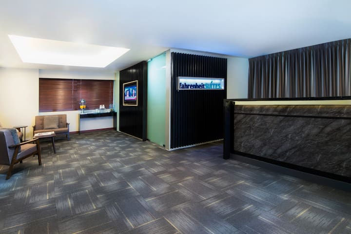 24-hour Guest Lounge / Reception