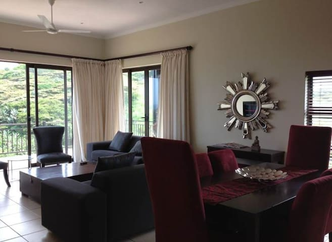 Lovely comfortable 3 Bedroom apartment - Westbrook - Lejlighed