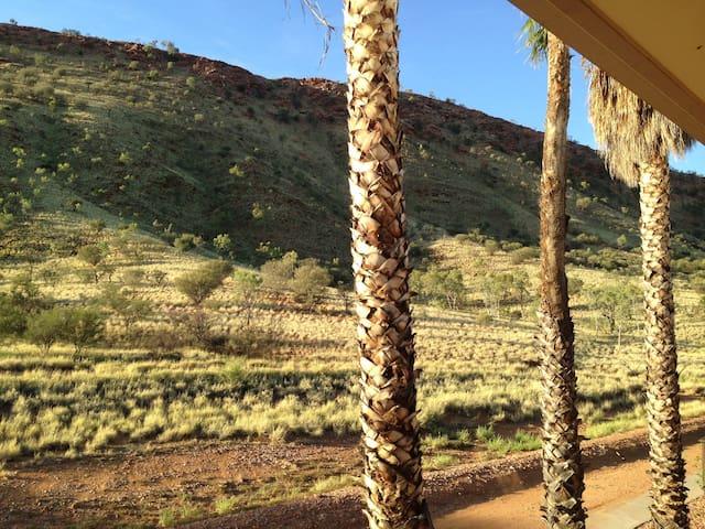 Fabulous  Desert Studio with Mountain Views