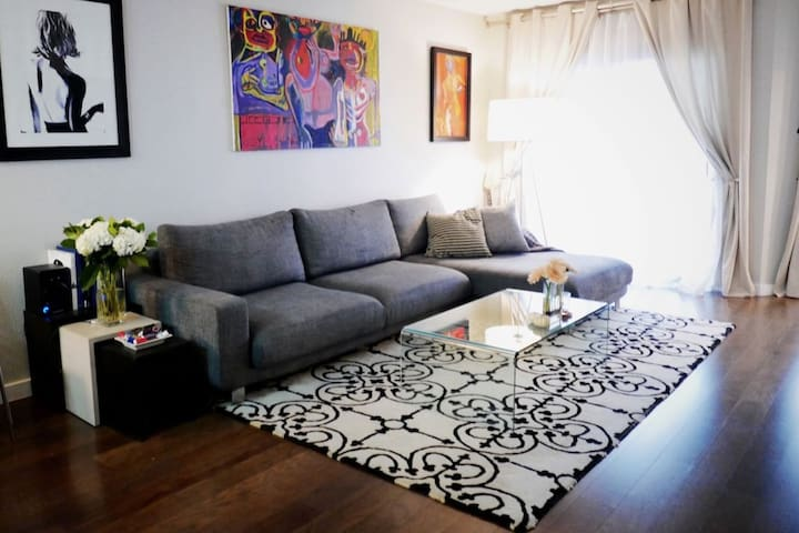 Modern One Bedroom in Amazing Location!