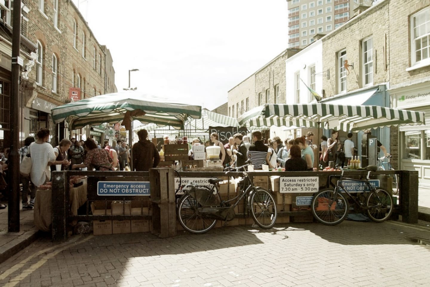 The lovely Broadway Market outdoor market on Saturdays - 3mins walk away