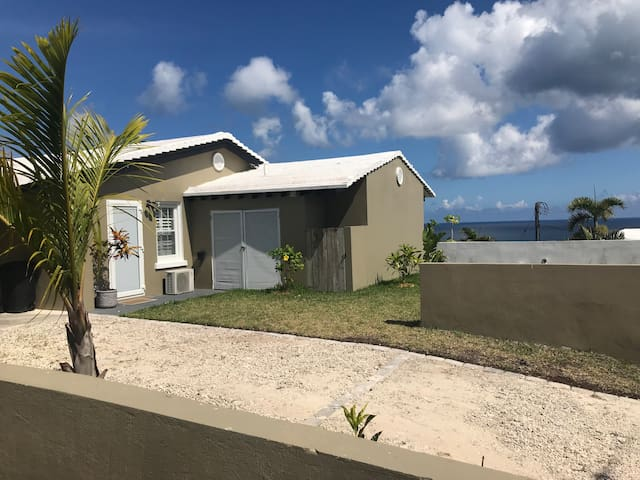 30 West - Beautiful, Luxury Bermuda Apartment