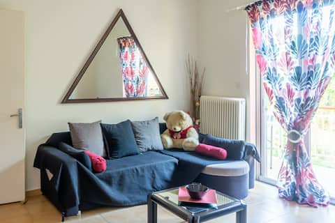 Mema's Tranquil Apartment in Patra - Free Parking