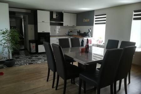 APPARTEMENT en DUPLEX de 85 m²,  à Pontrieux