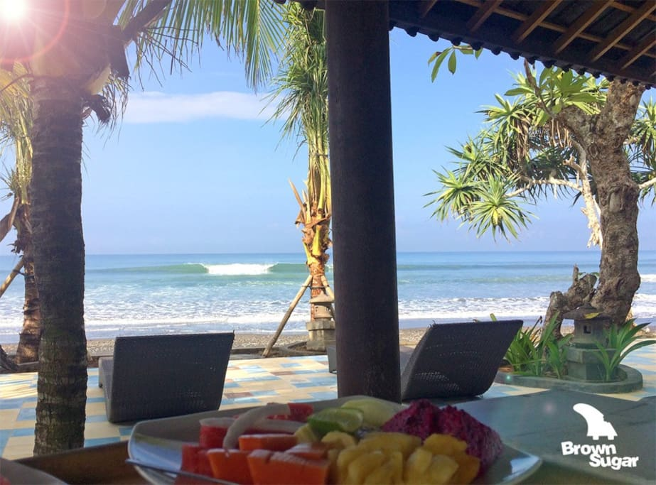 Absolute beach breakfast : )