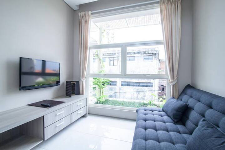 Charming Studio in Central Point E