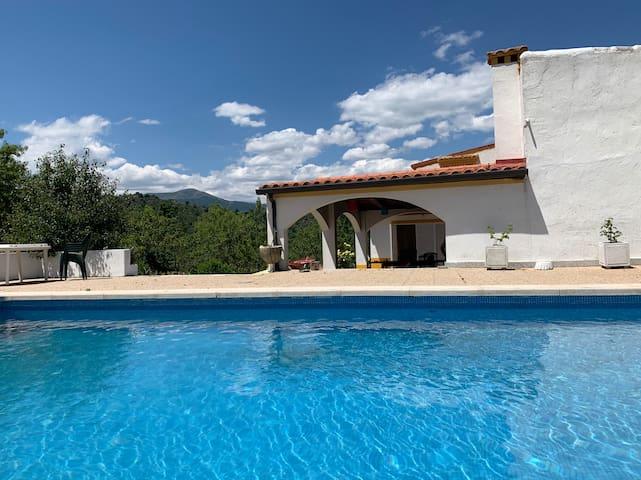 Casa de campo con piscina en El Valle del Tietar