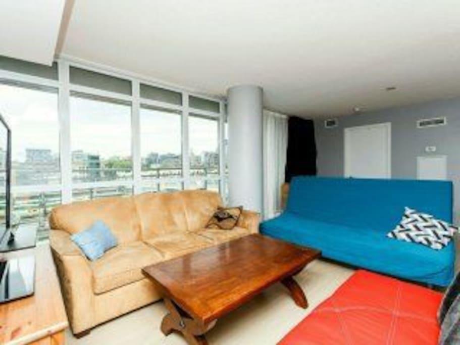 Warm 2 Bedroom Condo Great Location Apartments For Rent In Toronto Ontario Canada