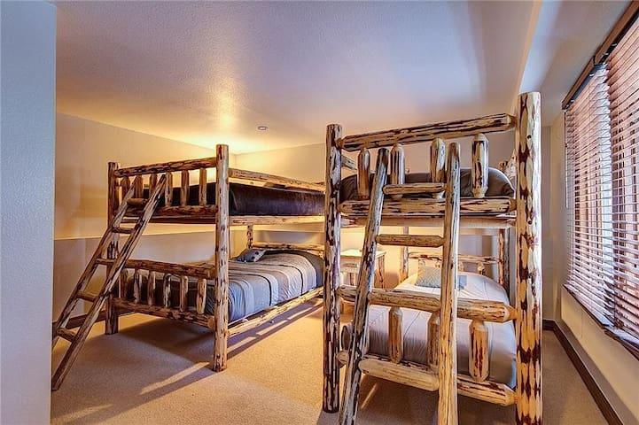 Lower Level Bedroom #4