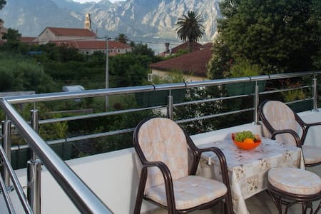 Four bedroom loft apartment with sea view - Kotor