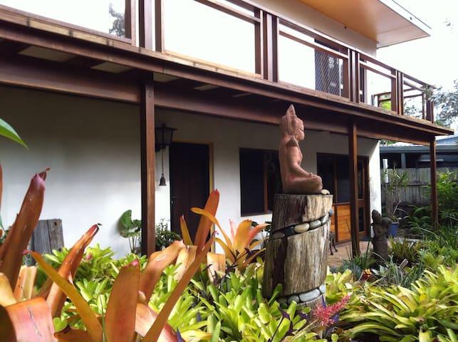 Family Retreat in Wooloweyah, Yamba - Wooloweyah - House