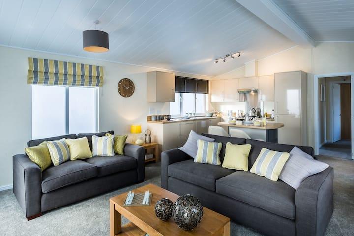 Three Bedroom Lodge 10